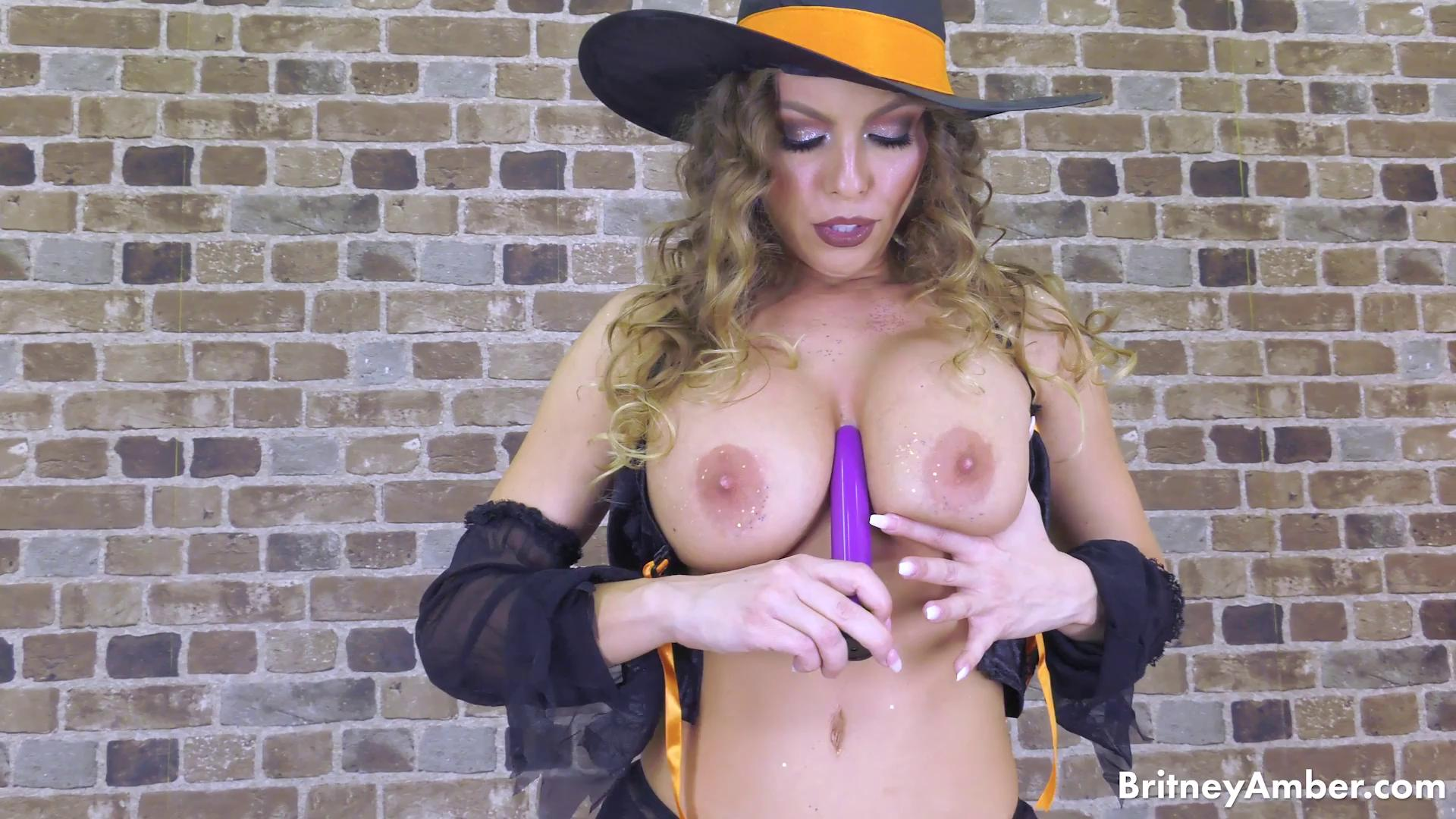 Naughty Witchy Britney