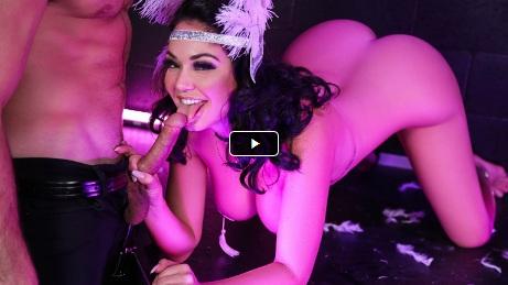 MonsterCurves – Big Ass Burlesque – Brooke Beretta