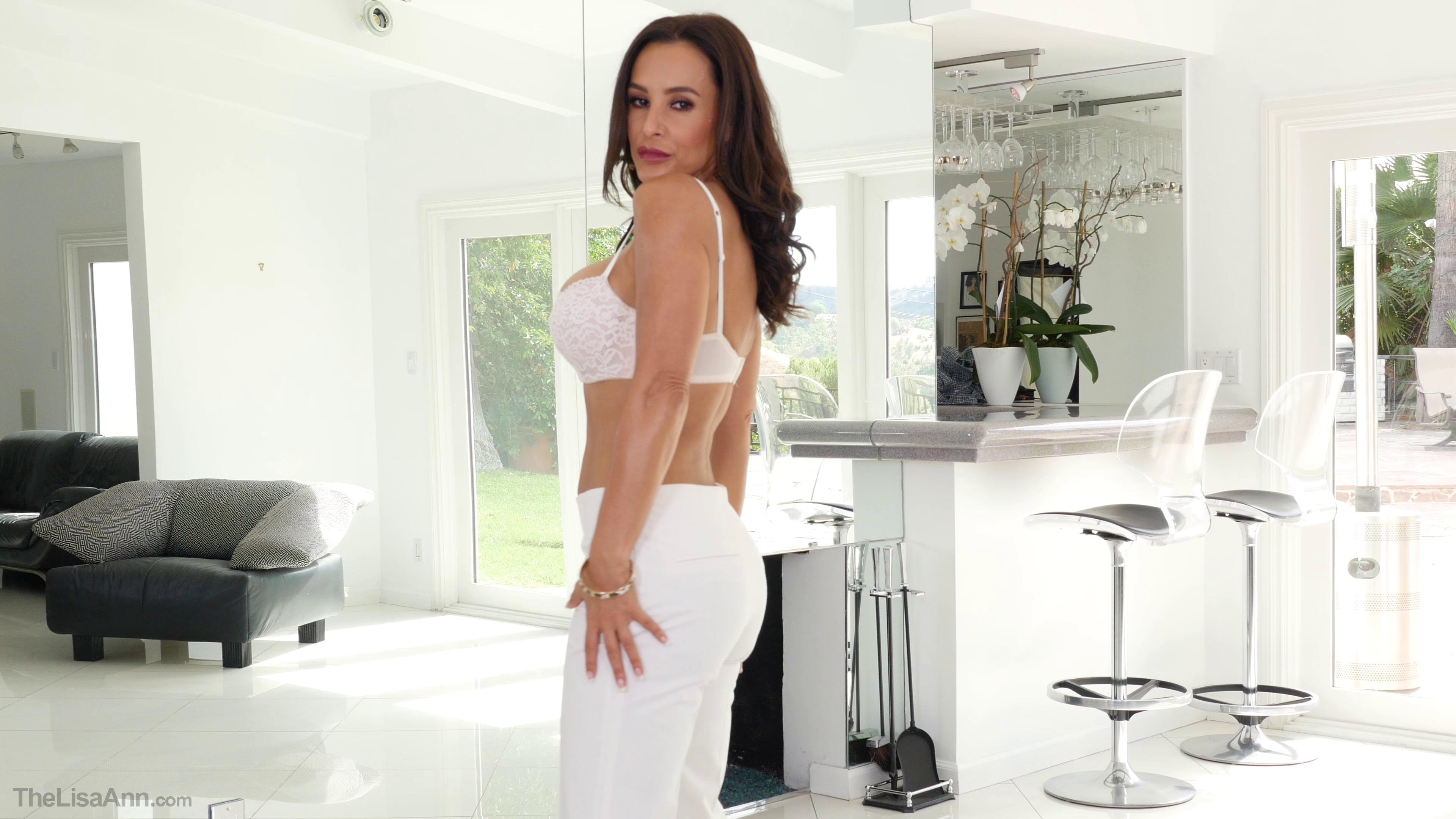 TheLisaAnn – Horny Housewife