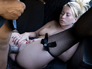 [FemaleFakeTaxi] Licky Lex – Black cock stretches Czech pussy