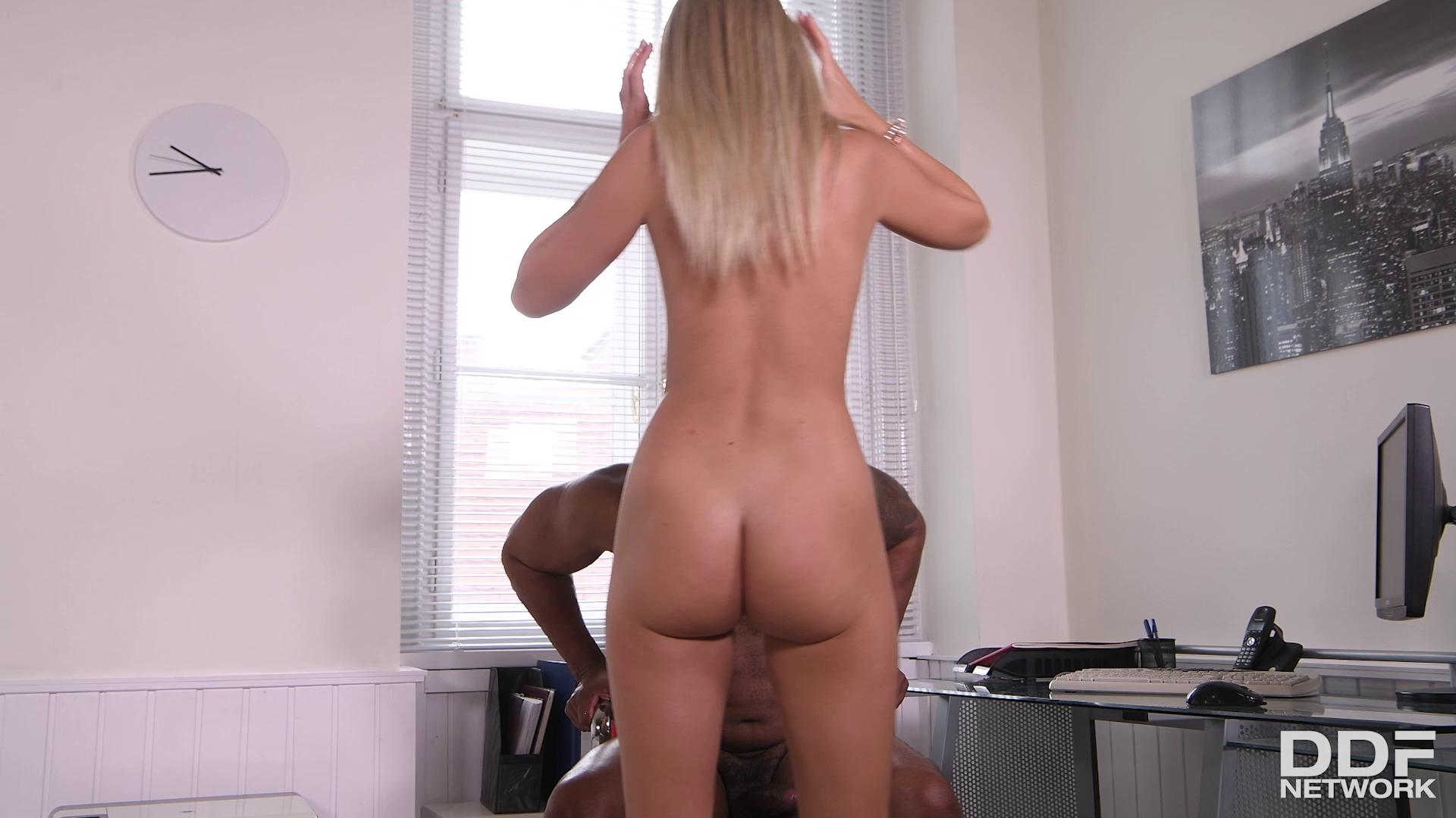 HandsOnHardcore – Mary Kalisy