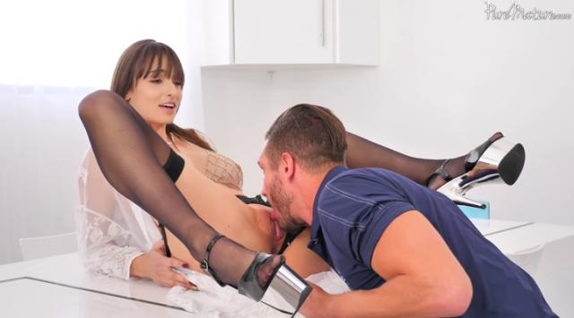 [PureMature] Lexi Luna – Hungry And Waiting