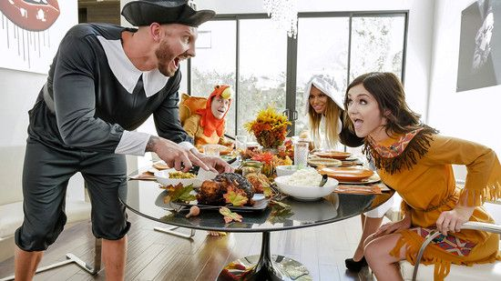 [FamilyStrokes] Brooklyn Chase, Rosalyn Sphinx – Thanksgiving Snatch Stuffing